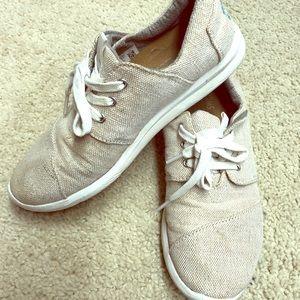 f1df37aca12 Toms shimmery sneaker 👟 EUC 👌🎻✨🌹💫👏🏆